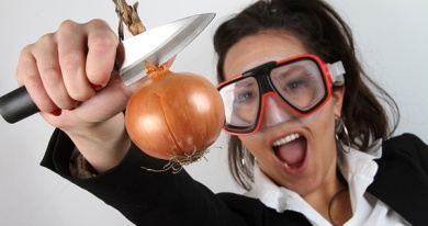 zamarripa_salud_visual_auditiva_blog_cortar-cebollas-gafas